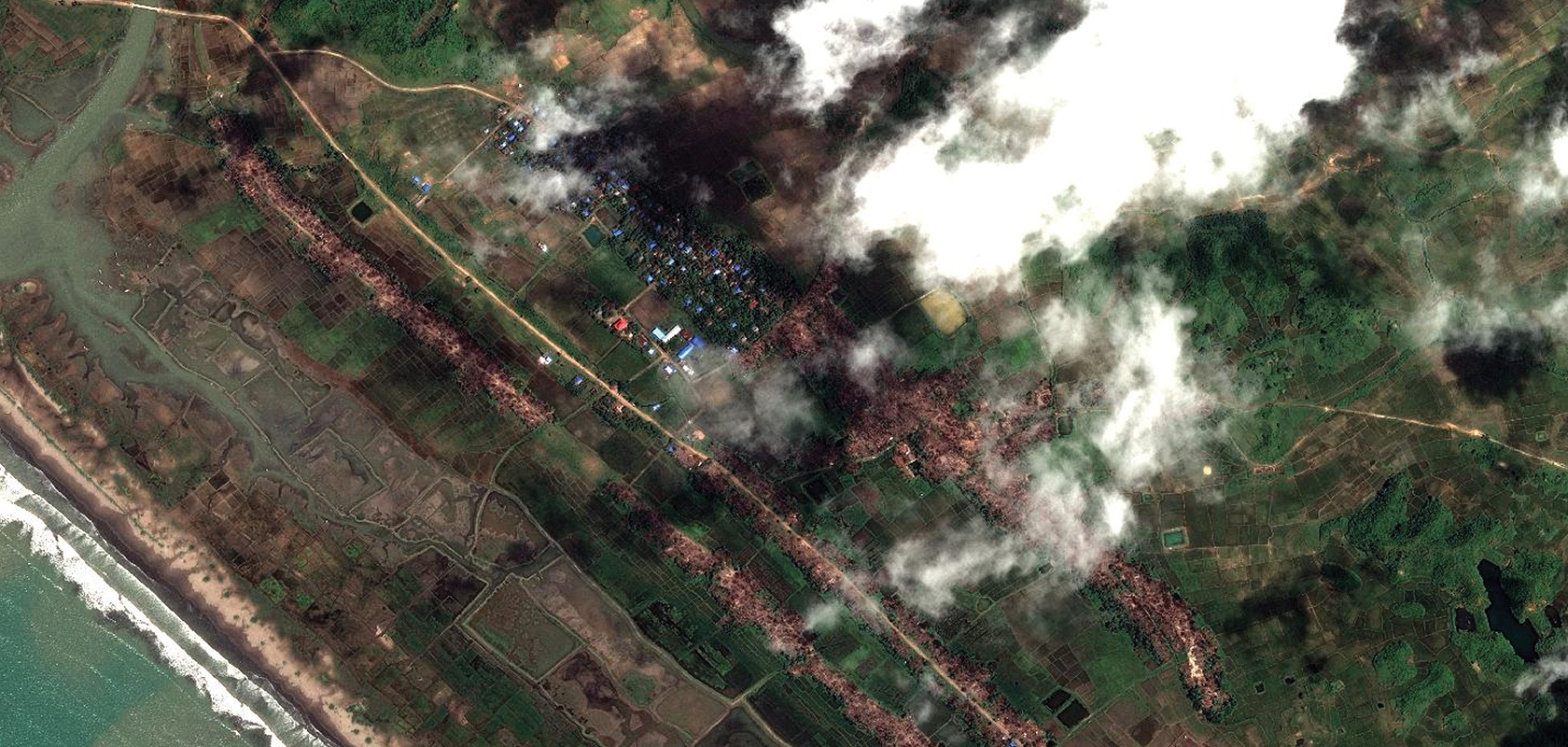 Le village d'Inn Din, le 24 septembre 2017.Seules les maisons non-rohingya restent intactes © CNES 2017 Distribution AIRBUS DS3