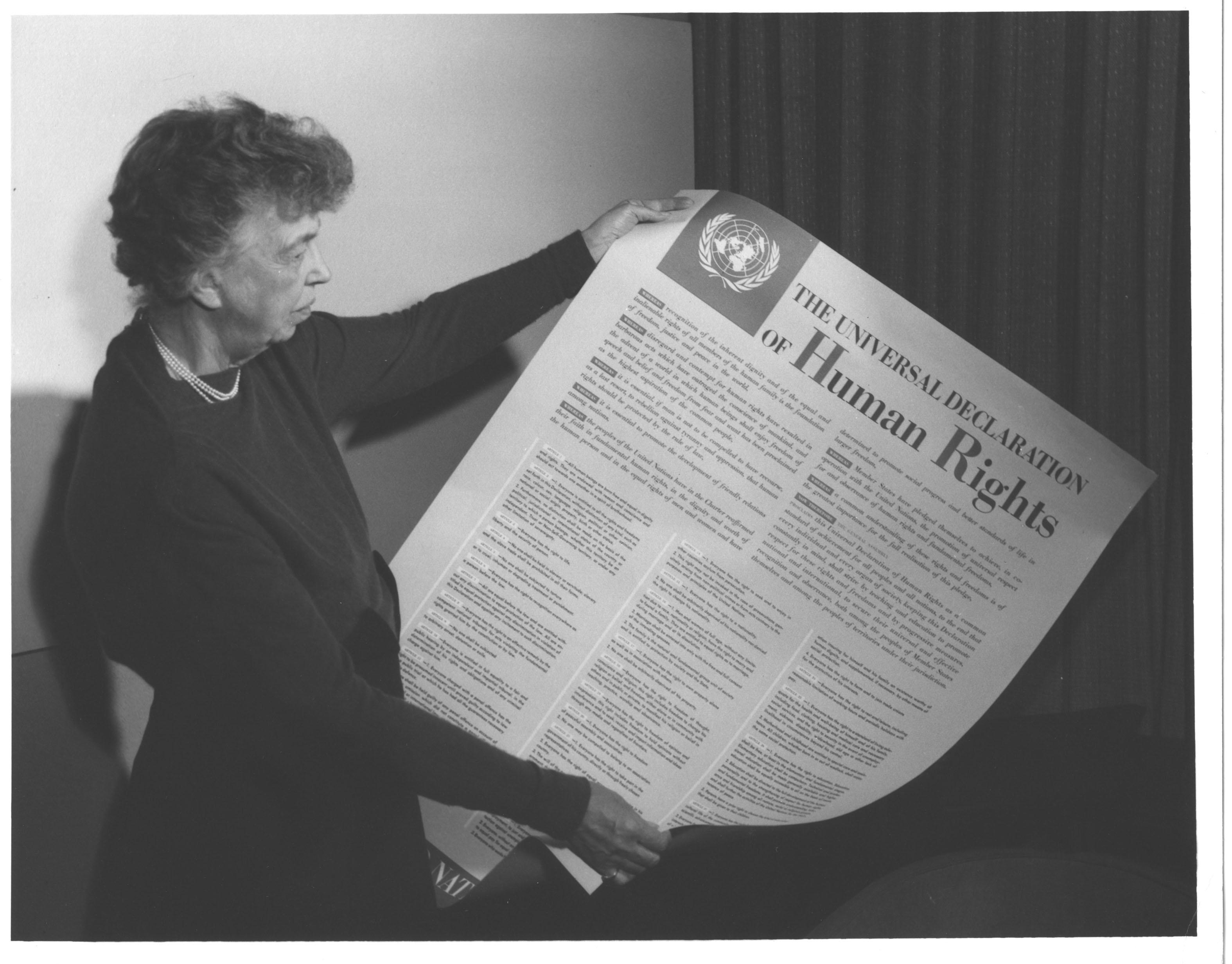 Eleanor Roosevelt et la Déclaration universelle des droits de l'homme (photo 1949)